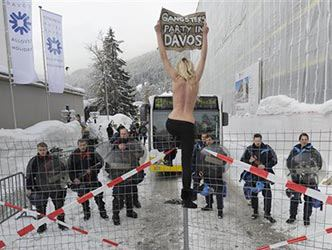 Gangsters party in Davos.